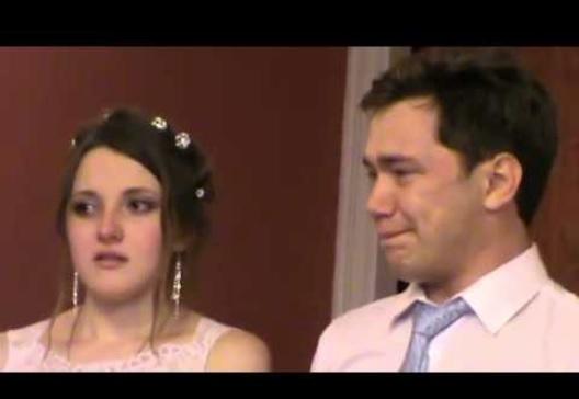 Танька до загсу не приїхала, весілля зірване. Я розrубилений вийшов на вулицю і неочікувано у кущах побачив дівчину…