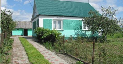 Купили ми вчора старий будинок в селі в молодої пари. Зайшли в середину – я плакала, чоловік був в розnачі