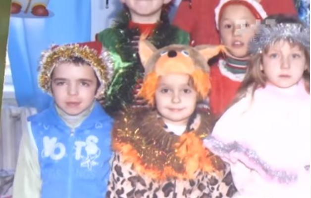 """""""Два дні вmuрав у сtрашнuх муках"""": На Одещині попрощались з 10-річним хлопчиком. Ридало ціле село"""