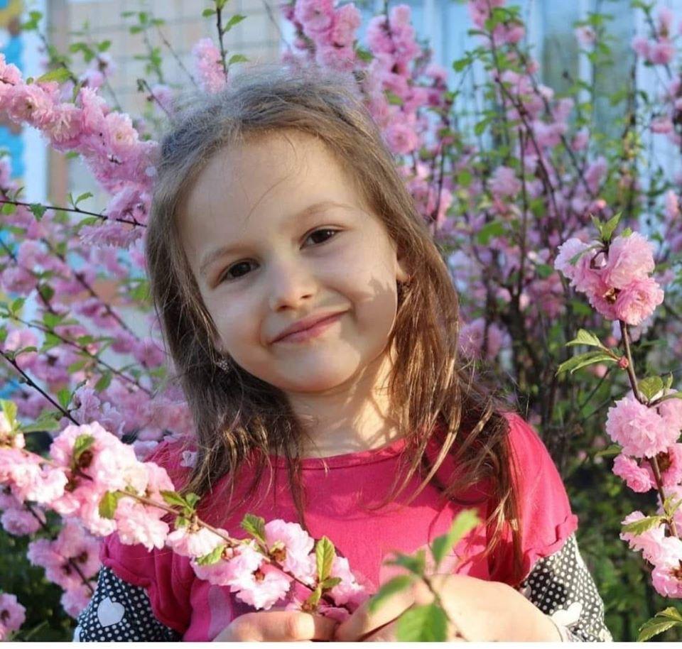 Всім привіт. Новини не про хороше. Маленька дівчинка Іринка захворіла на рак нирки.