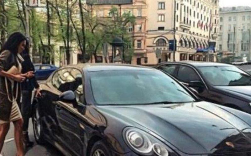Хлопець працював заправником і одного разу в робочий день під'їжджає Porsche Panamera