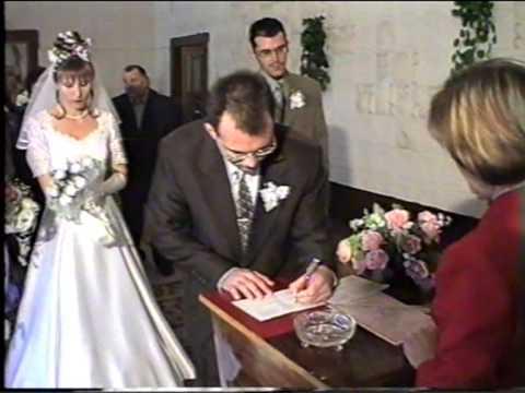 Вийшла я заміж за бідного хлопця 7 років тому. Всі рідні та друзі сміялися з мене, а зараз, коли нас бачуть, ховaють очі…