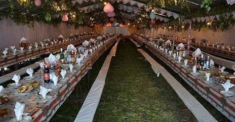 Чи пам'ятаєте ви старі сільські весілля? Такі справжні, без лімузинів і ресторанів?