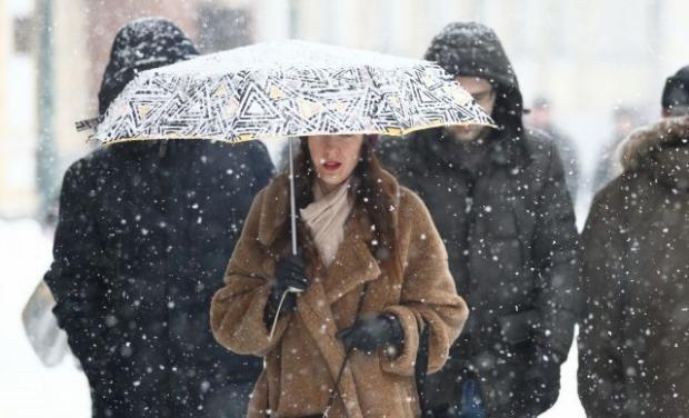В Україну йде мокрий сніг! Синоптик розповіла, яку погоду чекати людям 2 червня!