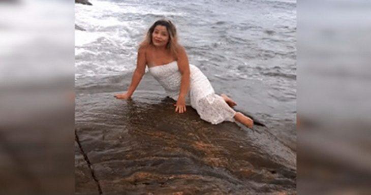 Вона попросила сфотографувати її на камені. Але потім… вона запам'ятає це назавжди! (відео)
