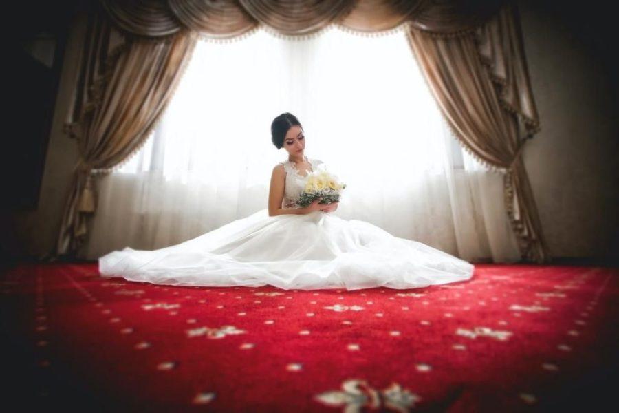 Щасливий наречений чекав весілля зі своєю коханою, поки не дізнався, яку сімейну традицію родина планує провести у їх першу шлюбну ніч