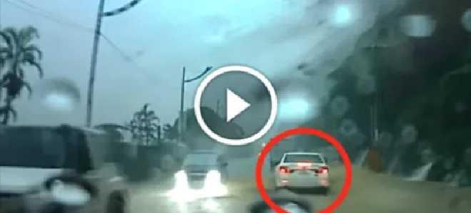 Водій став свідком справжнього дива. Не відривайте очей від білої машини!