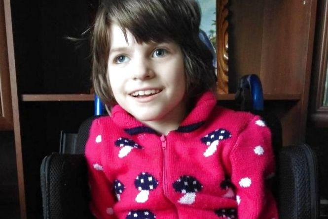 """""""Українські медики безсилі"""". Маленька Вікторія потребує термінової допомоги у б0ротьбі зі страшн0ю хворобою"""