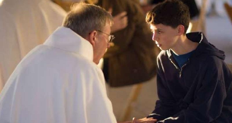 Молодий чоловік підійшов до священика і сказав: — Я більше не прийду до церкви! Священик запитав: — Чому? Чоловік відповів…