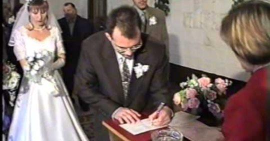 Вийшла я заміж за бідного хлопця 7 років тому. Всі рідні та друзі сміялися, а зараз, коли нас бачуть, ховaють очі…