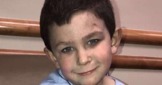 Хлопчику ти герой! П'ятирічний хлопчина врятував молодшу сестру з пожежі, а потім ще й собаку виніс з полум'я