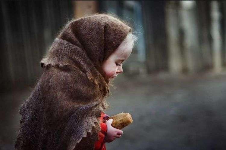 Дивовижна історія: Ми побачили брудну і голодну дитину, яка хотіла вкрасти у нас їжу
