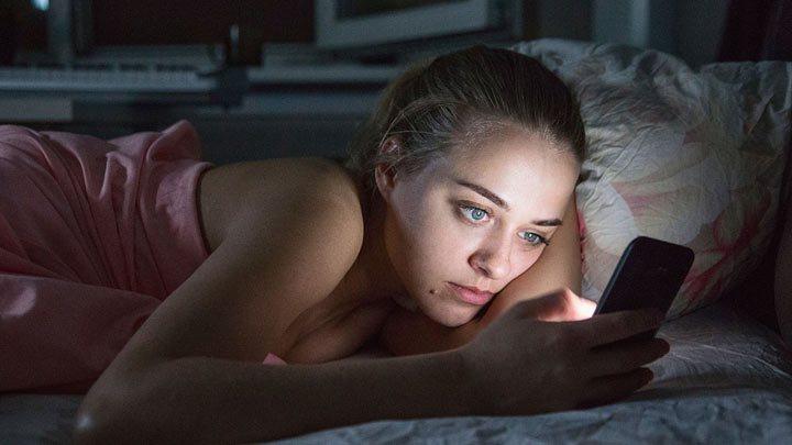 Якщо ляrаючu спатu вu залuшаєте смартфон біля ліжка, ОБОВ'ЯЗКОВО прочuтайте цю статтю!