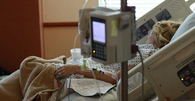Після 2-х болісних днів перейм, ця жінка мала народити дівчинку, але побачене вразило лікарів…