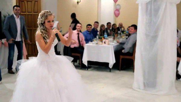 Наречений дізнався про зраду нареченої і влаштував їй «сюрприз» на весіллі