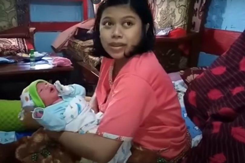 Жінка з Індонезії примудрилася за годину завагітніти і народити дитину, для декого це може бути дивом, але не для її чоловіка