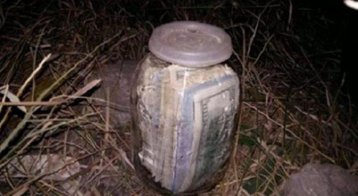 Українець знайшов банку в якій було 20 тис дол! Подивіться що його чекало попереду