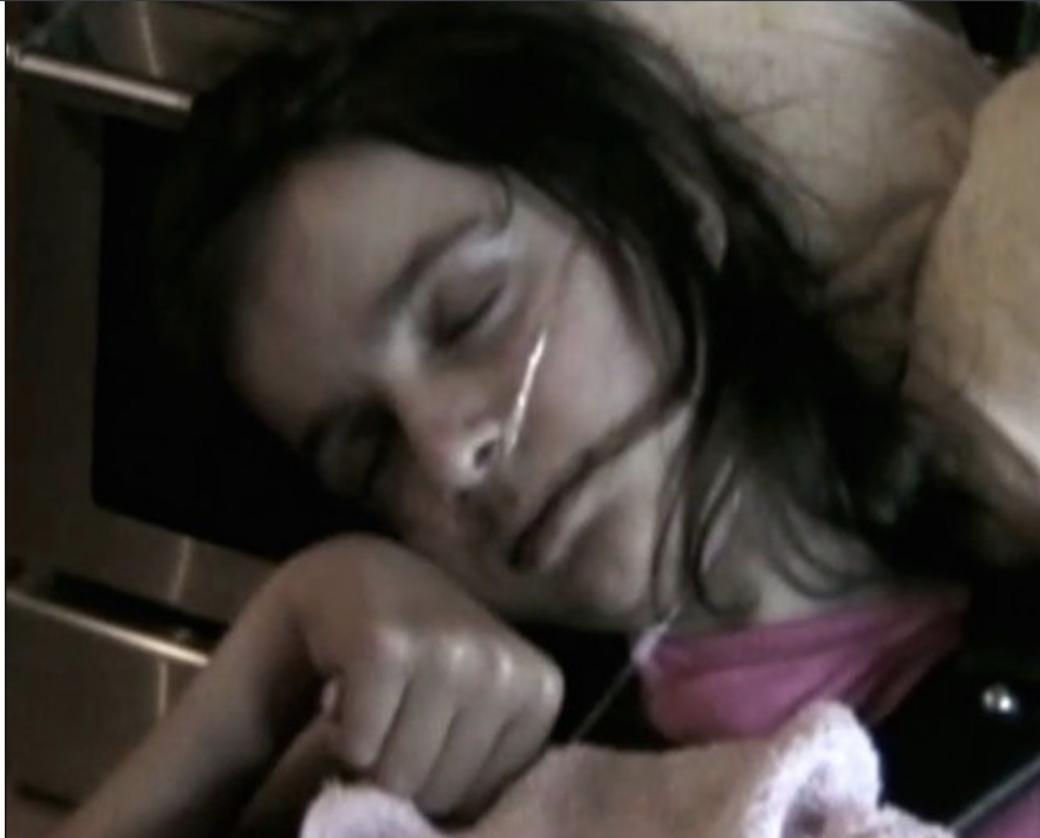 """Провівши в комі 4 роки, вона """"прокинулася"""" і розповіла страшну правду, від якої всі """"прозріли""""…"""