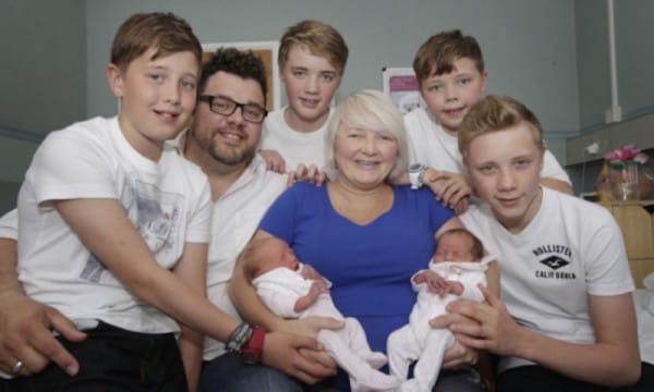 Коли мама двох пар близнюків прийшла в лікарню, у лікарів відняло дар мови … Випадок на мільйон!