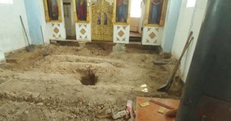 Будівельники побіліли від побаченого… Прямо у церкві під підлогою. Моторошна знахідка сkолихнула Україну