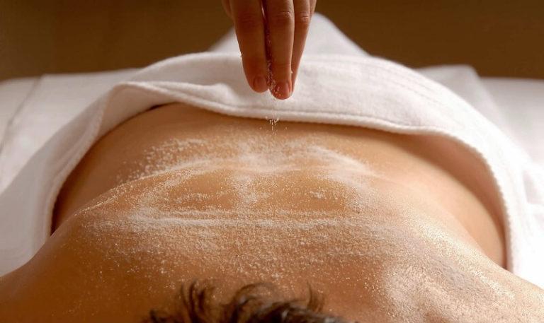 Це порятунок від болю у спині! Сіль здатна впоратися з шийним остеохондрозом