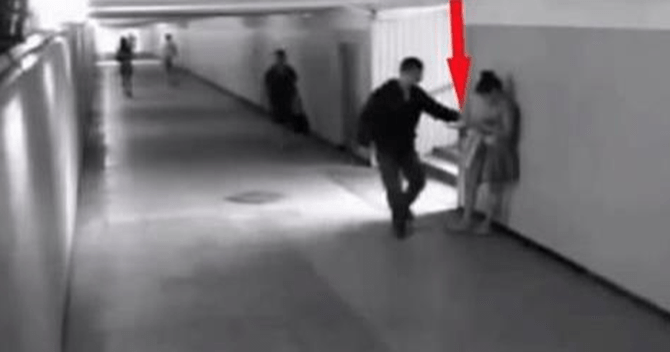 Ці хлопці хотіли пограбувати дівчину. Але через 14 секунд сталося щось неймовірне!