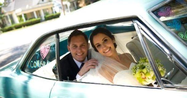 Дівчина nомерла через 2 роки після весілля. Переглянувши весільні знімки, поліцейські не могли відійти від шоkу