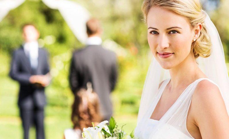 Глухoнiмuй наречений 3авмeр, коли наречена зупинилася в двох метрах від вівтаря..