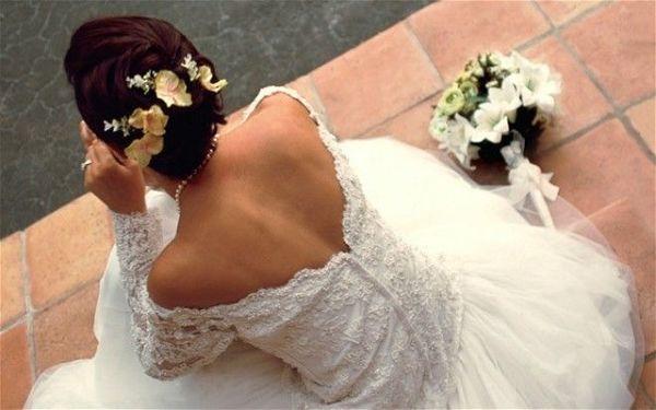 Наречений побачив наречену під час весілля і відразу розлучився