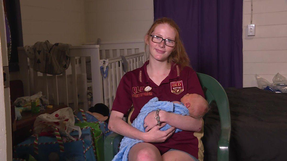Дівчина думала, що у неї неполадки з травленням, але причину поганого самопочуття прояснив похід в душ — з ванної вона вийшла з новонародженим немовлям