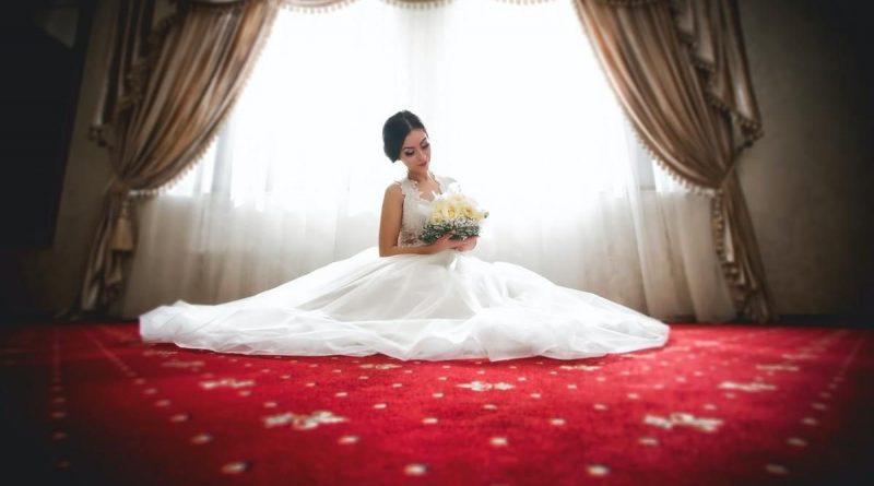 Щасливий наречений з нетерпінням чекав весілля зі своєю коханою, поки не дізнався, яку сімейну традицію родина планує