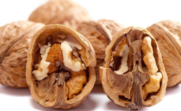Перегородки волоських горіхів: користь, про яку ви навіть не здогадувалися. Навіть лікарі рекомендують!