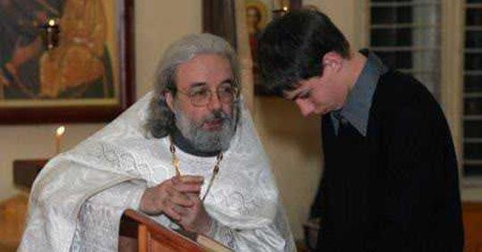 Молодий хлопець підійшов до священика і сказав: — Я більше не прийду до церкви! Священик запитав: — Чому? Хлопець відповів..
