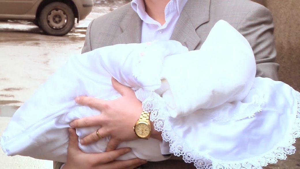 Привіз олігарх дружину в пологовий будинок…А після нородження малюка відвіз її не в шикарний будинок…А на вокзал…