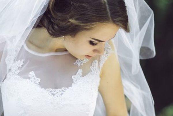 В день власного весілля вона знайшла свою сукню зіпсованою. Лишень тяжка хвороба допомогла дізнатись правду