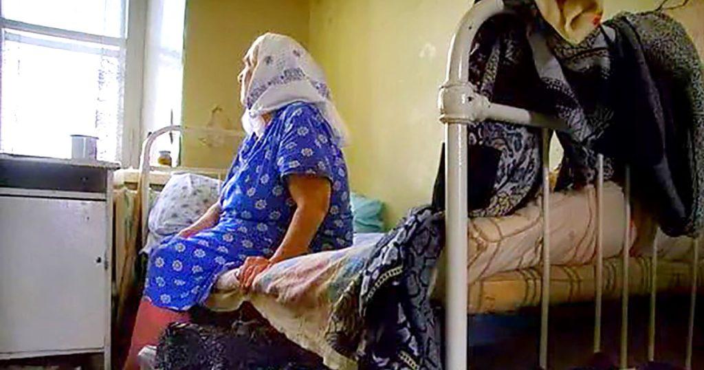 «Нікому не потрібна …»: Сьогодні у неї день народження — 70, але ні син, ні дочка не приїхали