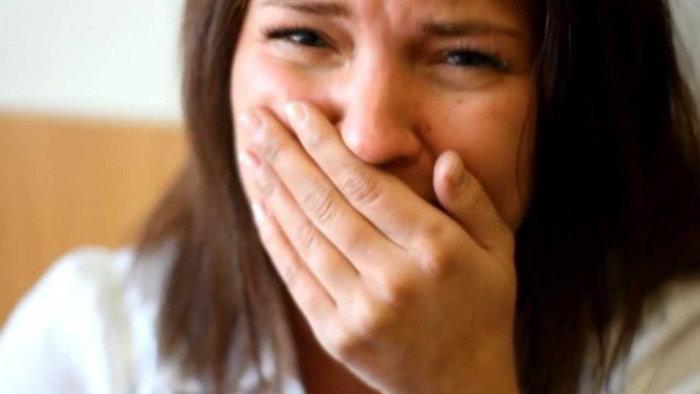 Начальник викликав до себе співробітницю, вона вийшла з кабінету вся в сльозах. У неї тряслися руки, коли ми дізналися в чому справа