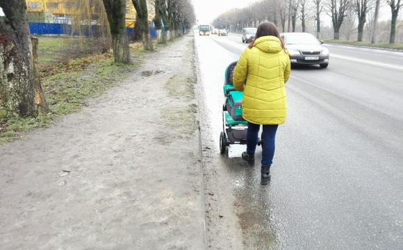 Вчора була свідком дуже сміливого вчинку на пішохідному переході