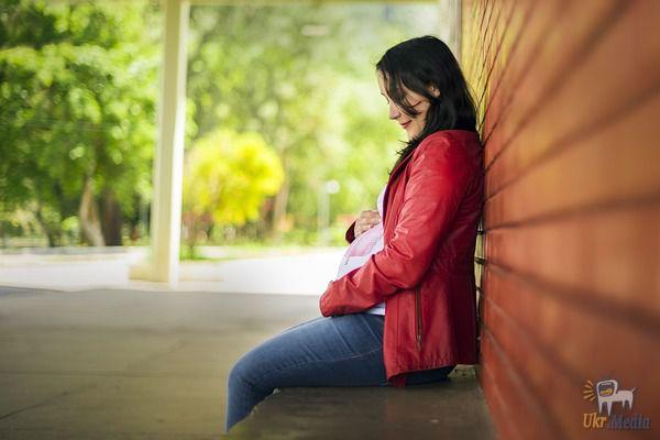 Ця вагітна дівчина попросила милостиню в одного чоловіка, а він проігнорував її. Але те, що він зробив миттю пізніше, змінило все в її житті!