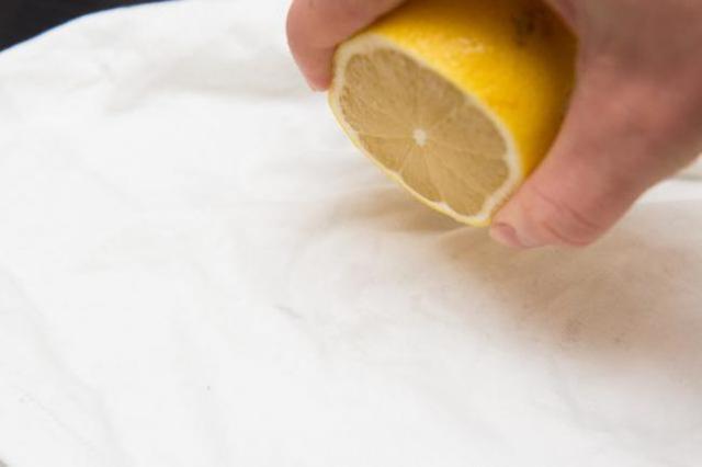 Спробуйте пити вранці замість кави теплу воду з лимоном – ви будете вражені результатом!