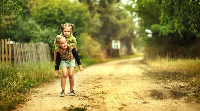 Коли мені повідомили про п'яту дитину, я стала перед Дашею на коліна і просила не народжувати. Переконувала, що якщо з нею щось трапиться, залишаться сироти. Даша змогла привести й цей світ вісьмох. Потім її не стало