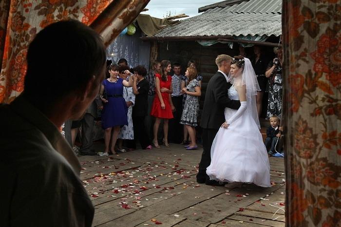 Мій брат одружився по заль0ту на дівчині з далекої сільській місцевості…