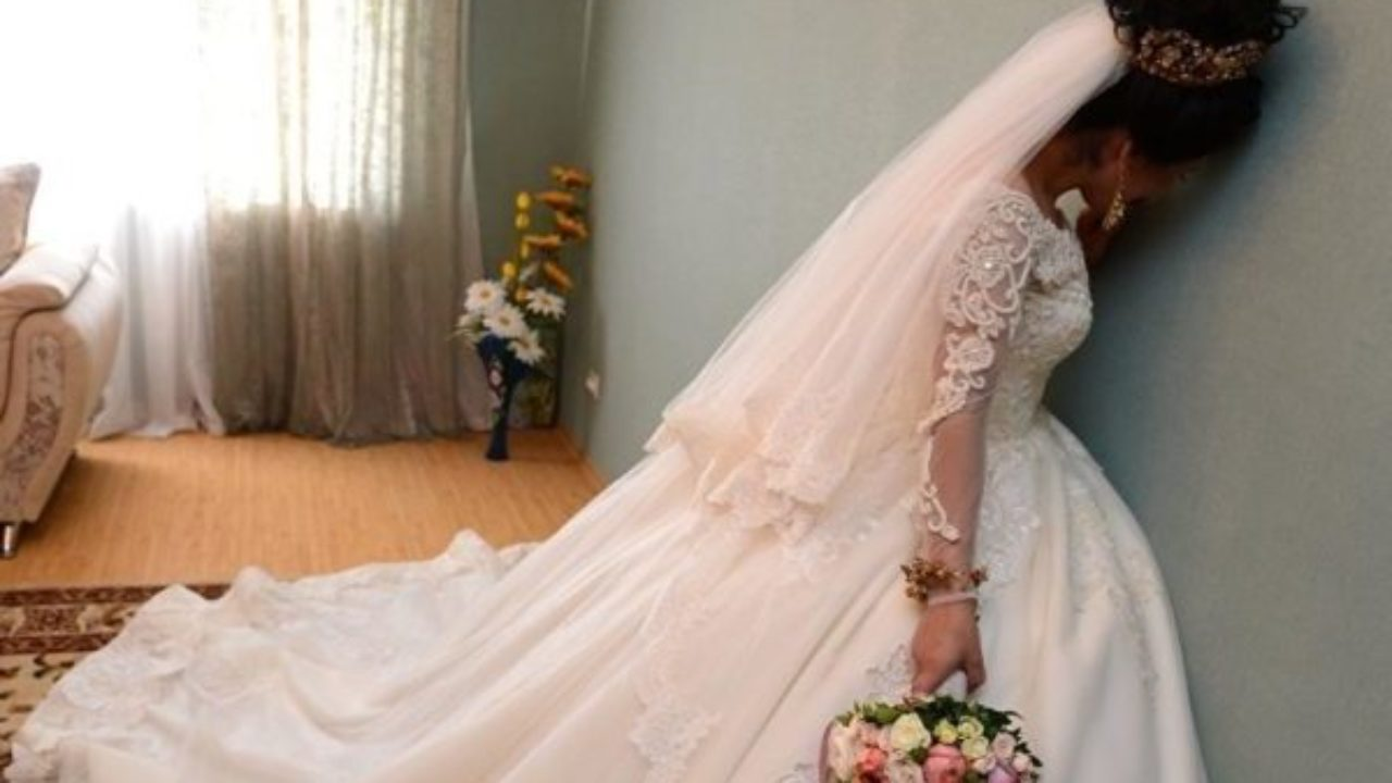 «Олексію, мені потрібна твоя допомога! — сказала Таня по телефону. — Ти можеш зі мною терміново одружитися?». Я був шокований. Але Таня пояснила