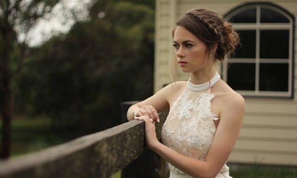 """""""Я передумав з тобою одружуватися"""": Даша у вишуканій весільній сукні, з зачіскою і купою гостей чекала нареченого. Тоді її світ перевернувся"""
