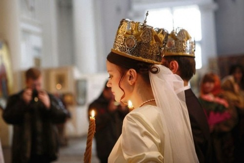"""""""Я передумав з тобою одружуватися"""": Даша у вишуканій весільній сукні, з зачіскою і купою гостей чекала нареченого. Тоді її світ перевернувся.."""