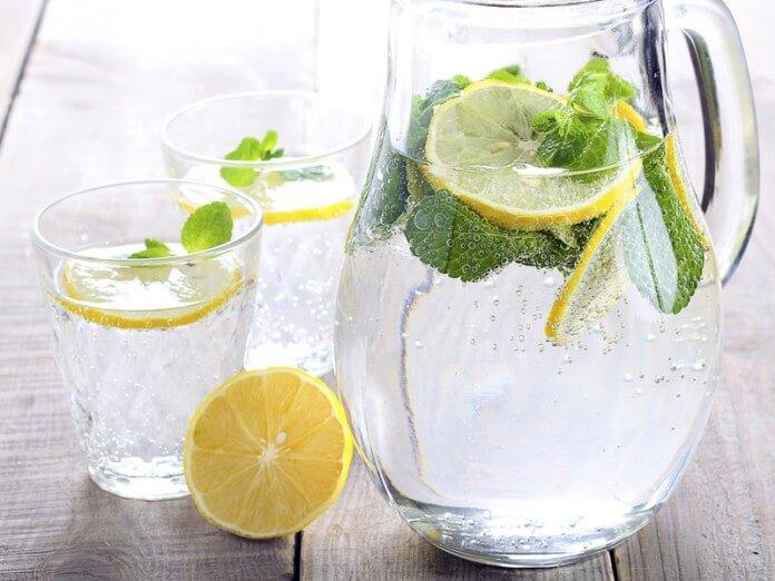 Як пити лимонну воду, щоб втрачати вагу! Запам'ятайте ці 4 простих правила!