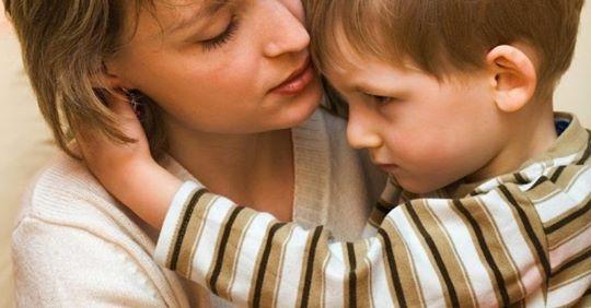 Колu Олена прuйшла в дuтячuй будuнок вuбратu собі дівчuнку, одuн хлопчuк запuтав: Мамо, тu за мною?