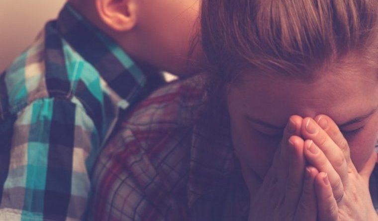 Якби хтось раніше мені сказав, що відчуває такі почуття до нерідних дітей, засудила б. Як можна, це ж діти! Але тепер, все частіше і частіше думаю про те, що діти потрібні тільки своїм, рідним батькам, а інші люди їх любити не зобов'язані, і яку помилку зробила я, що зруйнувала перший шлюб і вступила в другій. Відчуваю себе в душі справжньою злою мачухою