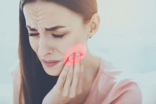 Ось як зняти будь-який зубний біль усього за кілька секунд