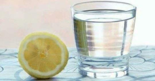 Вам говорuли, що пuти лuмонну воду вранці дуже корисно, але ось, про що вам не сказали…